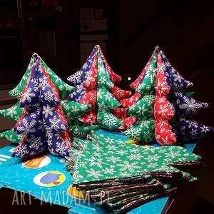 kolorowa choineczka handmade z materiału, choinka, ozdoba, mikołaj, święta