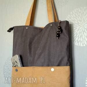Prezent Szaro-beżowa torba z kieszenią, torebka, hobo, sowy, wzór, prezent, kwiatki