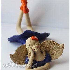 Anioł leżący rozmarzony ceramika wylegarnia pomyslow anioł
