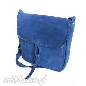 handmade na ramię teczka z troczkiem niebieski zamsz