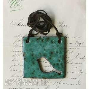 handmade wisiorki wisior z ażurowym ptaszkiem niebieski nakrapiany