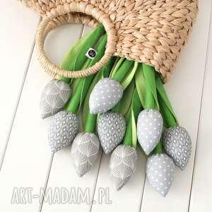 tulipany szary bawełniany bukiet, tulipany, szara dekoracja, skandynawski styl