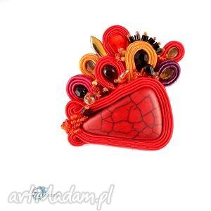 Czerwona broszka sutasz - ,sutasz,soutache,broszka,przypinka,howlit,energetyczna,