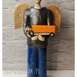 anioł z ciężarówką, ceramika, anioł, samochód dostawczy, kierowca