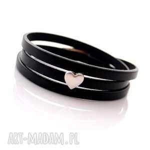 ręczne wykonanie czarna bransoletka skórzana z sercem tre