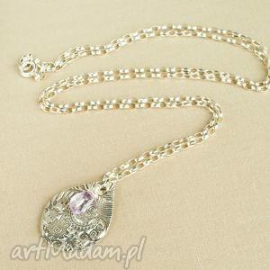 Naszyjnik ze srebrną kroplą i ametystem, kobiecy, delikatny, kwiaty
