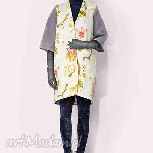 pastelowy płaszcz w kwiaty, płaszcz, potpourri