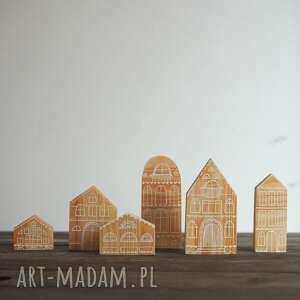 komplet 6 szt - drewniane domki ręcznie malowane naturalne