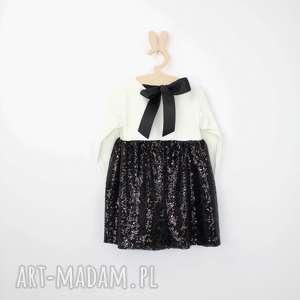 sukienka ecru z czarnymi cekinami, cekiny