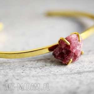 Rubin pozłacana bransoletka - ,kamień,minerał,rubin,czerwień,prezent,lato,