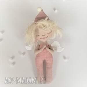 Prezent ANIOŁEK dekoracja ścienna - figurka tekstylna ręcznie malowana, anioł