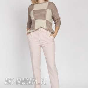 sweter w kratę, swe172 mocca / beż mkm, sweter, mocca, beż, geometryczny, wzór