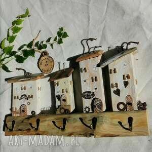 rustykalny wieszak z domkami no 5, drewna, dom domek, dekoracja