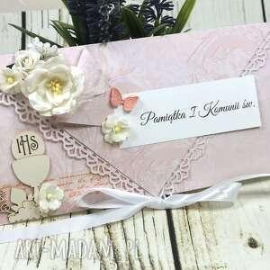 Upominek na święta! Pamiątka i komunii św - białe kwiaty