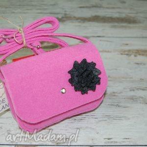 Malutka torebka z filcu - EtoiDesign, filc, różowa, czarny, kwiatek, dziewczynki