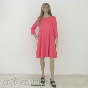 sukienki 7 - sukienka malinowa, sukienka, rozkloszowana, trapez, mini, elegancka