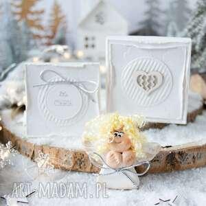 Pomysł na upominki święta? Świąteczny aniołek w pudełeczku