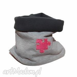ręcznie zrobione ubranka komin szary z różowym puzlem