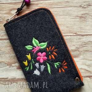 filcowe etui na telefon - kwiaty, smartfon, kwiatki, kropki, pokrowiec, prezent