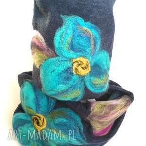 handmade czapki komplet wełniany granatowy wełna merynosy kwiaty