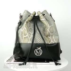 imitacja węża czarne skóra to torebka idealna na jesień wąż, panterka, zebra jest