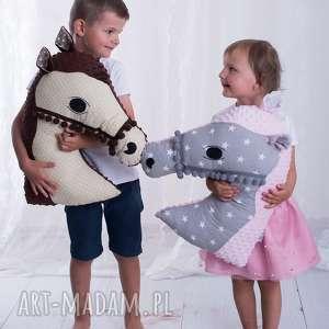 Prezent Przytulanka dziecięca koń, poduszka-dla-dzieci, pomysł-na-prezent