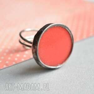 red statement - pierścionek z czerwonym szkłem, geometryczny, duży
