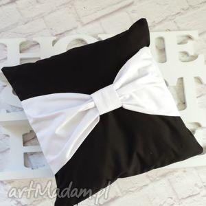 poduszka dekoracyjna czarna z białą kokardą, poduszka, dekoracyjna, ozdobna, kokarda