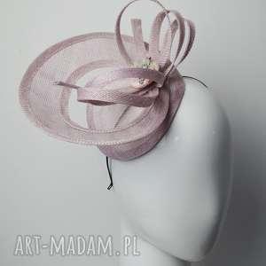 ozdoby do włosów różowy toczek, fascynator, sinamay, róż