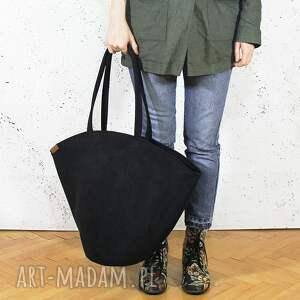 shelly bag czarna torba w kształcie koszyka, vegan, pojemna, miejska, duża