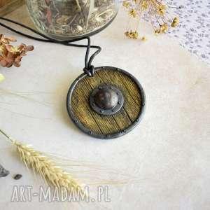 wisiorki tarcza wikinga ix, wisiortarcza, polymerclay, etno, biżuteriamalowana