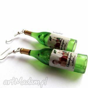 KOLCZYKI - dwa wina, kolczyki, wino, butelka, miniatura