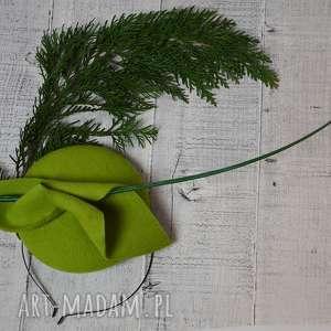 handmade ozdoby do włosów limonka z piórem