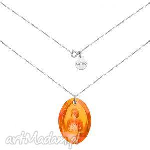 długi srebrny naszyjnik z pomarańczowym opalizującym buddą