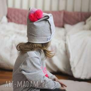 czapka z pomponami, czapka, czapa, pompony, pompon, buba