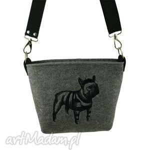 buldog w pasiaku - buldog, filc, haft, motywyzwierzące, modnatorebka, pies