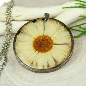 Naszyjnik z kwiatów w cynowej ramce z420 naszyjniki herbarium