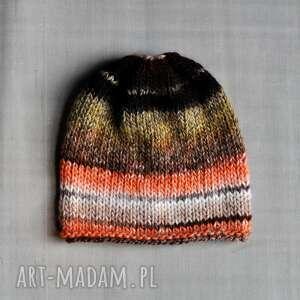 kolorowa czapka, na drutach, kolorowavzapka, najesień, głowę