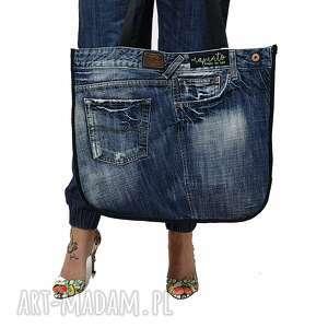 na ramię duża torba upcykling jeans pepe 52 od majunto