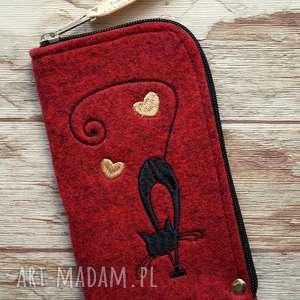 filcowe etui na telefon - czarny kot, smartfon, pokrowiec, haft, prezent, filc