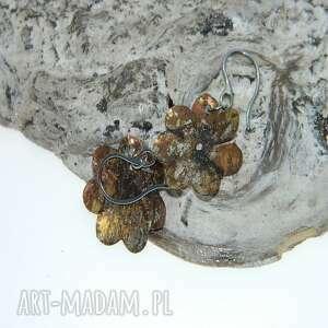 Miedziane kwiatki -k29 esterka kolczyki, metaloplastyka