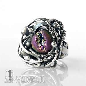 rosette nebula srebrny pierścień z druzą tytanową, wirewrapping, srebro, pierścionek