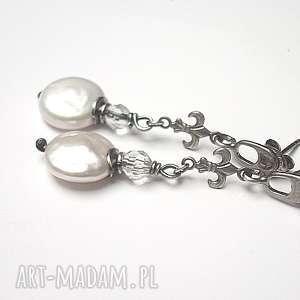 kolczyki perłowe lilijki - kolczyki, perły, srebro, oksydowane biżuteria