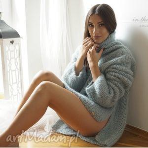 Sweter oversize w bladej morskiej zieleni, golf, sweter, oversize, dziergany, druty