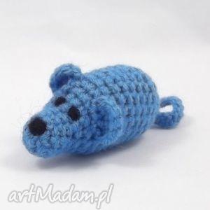 myszka niebieska - mysz, myszka, maskotka, zabawka, szydełkowa, rękodzieło