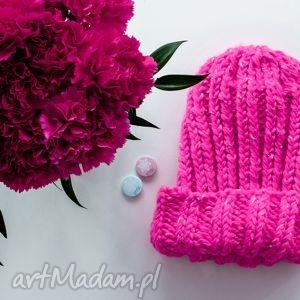 ręcznie zrobione czapki robiona czapka fluo pink