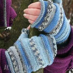ręcznie robione rękawiczki mitenki gąsienniczki niebieskie