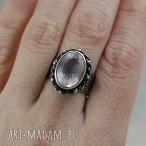 kwarc różowy i srebro - piękny pierścionek 2751