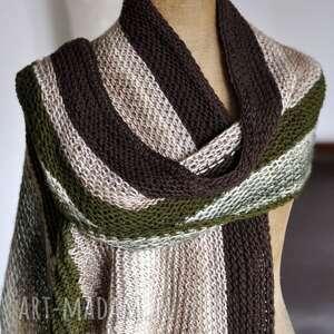 asymetryczna chusta, szal, na drutach, walentynki, kobieca, prezent