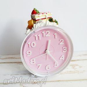 zegary budzik z ciachem, budzik, słodycze, fimo, prezent, ciastko, zegar dom